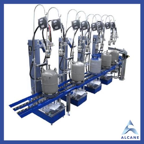 alcane bouteille de gaz fuel gpl Inline filling plant with driven chain conveyor Installation de remplissage en ligne avec convoyeur à chaîne entraîné